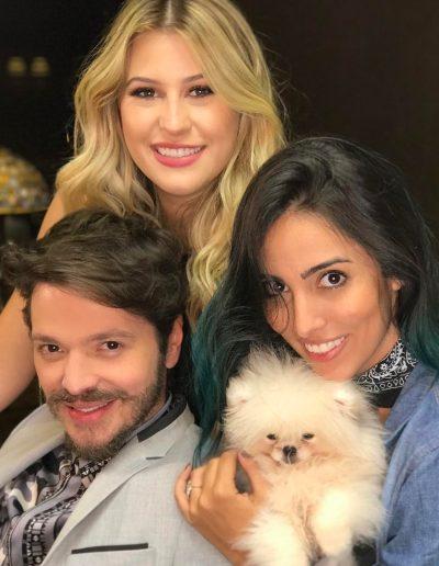 Tiago Parente corta cabelo das influencers Jade Seba e Niina Secrets